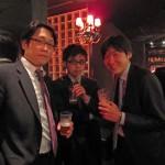 ひたすら飲む人達(中央:Dr.藤井)